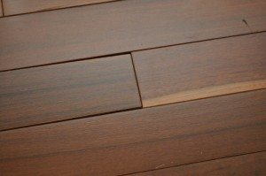 gaps in hardwood flooring